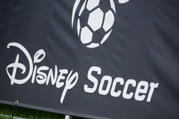 Waza U16 Girls @Disney Showcase 2013-14 1